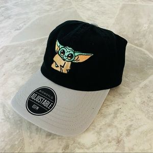 NWT STAR WARS embroidered baby Yoda black baseball cap size one size fits most